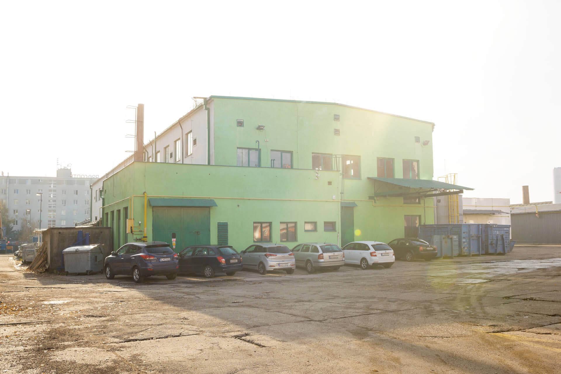 Agromont budova naše priestory